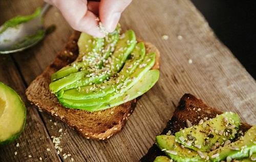 so sánh 2 chế độ ăn kiêng low carb và keto